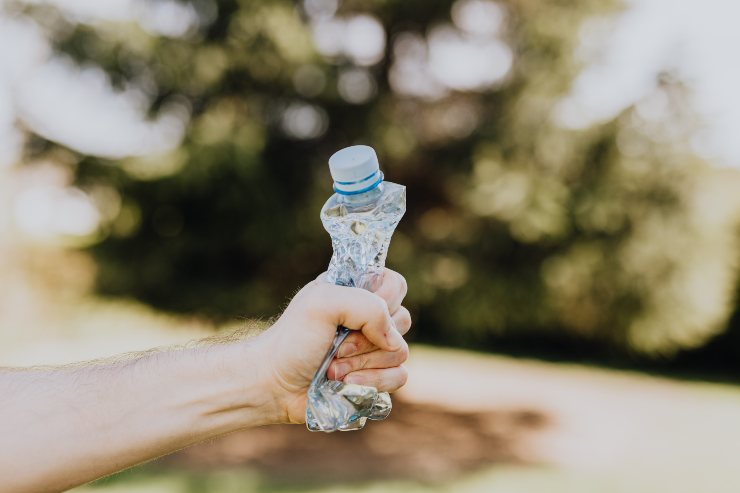 bottiglia plastica acqua