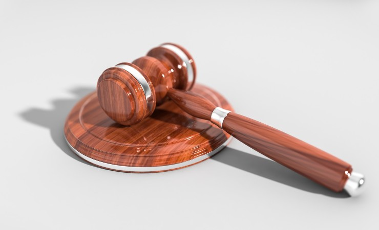 giustizia giudice martelletto