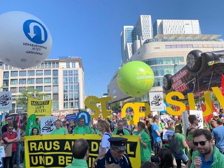 greenpeace protesta francoforte