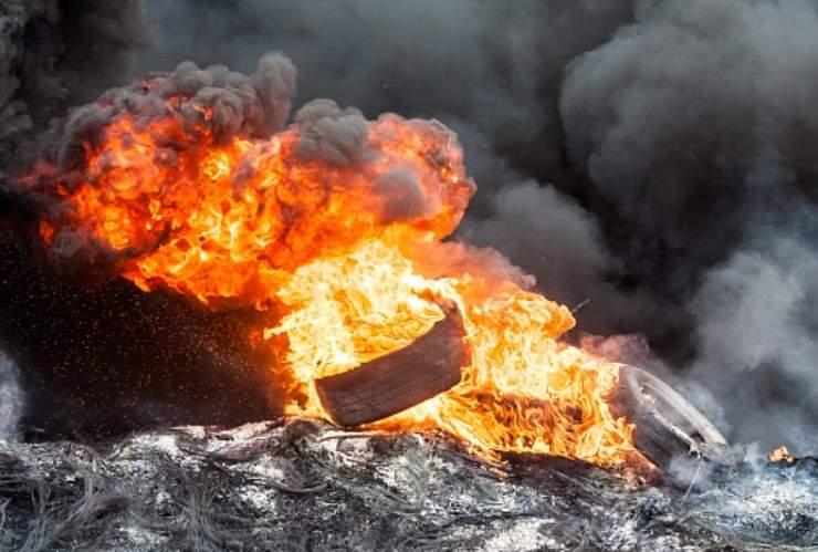incendio pneumatici kuwait