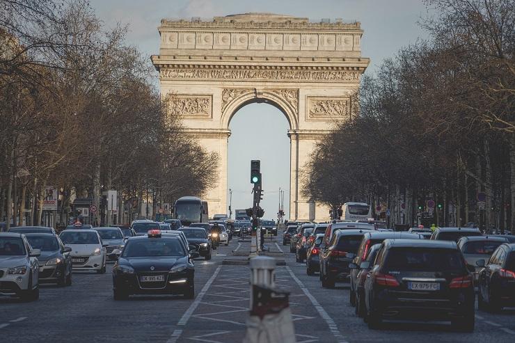 parigi auto traffico