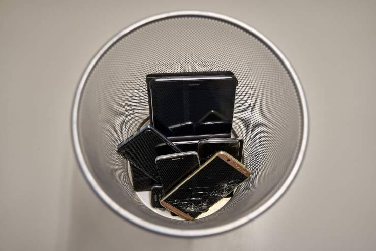 smartphone rifiuti