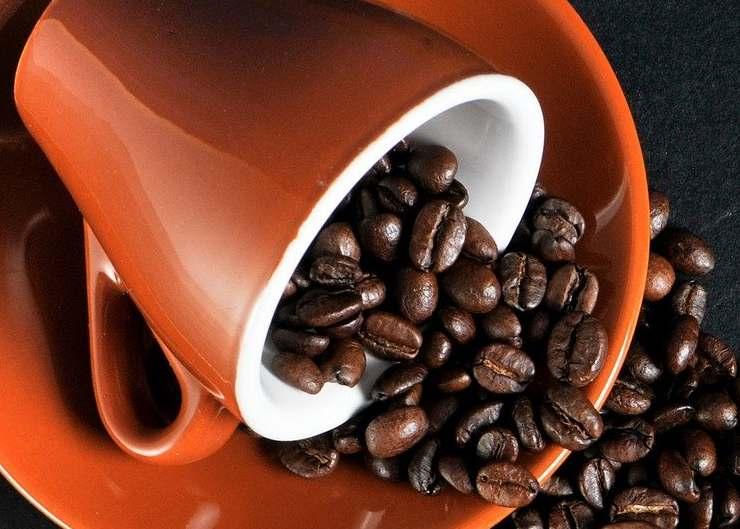 tazzina di caffè - caffè - l'insostenibile filiera ad alto impatto ambientale